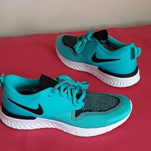 New Women's Nike React Odyssey Flyknit  Sz 8 or 7Y